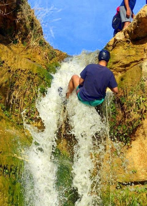 Cascade d'eau à Tamaghza, Tozeur